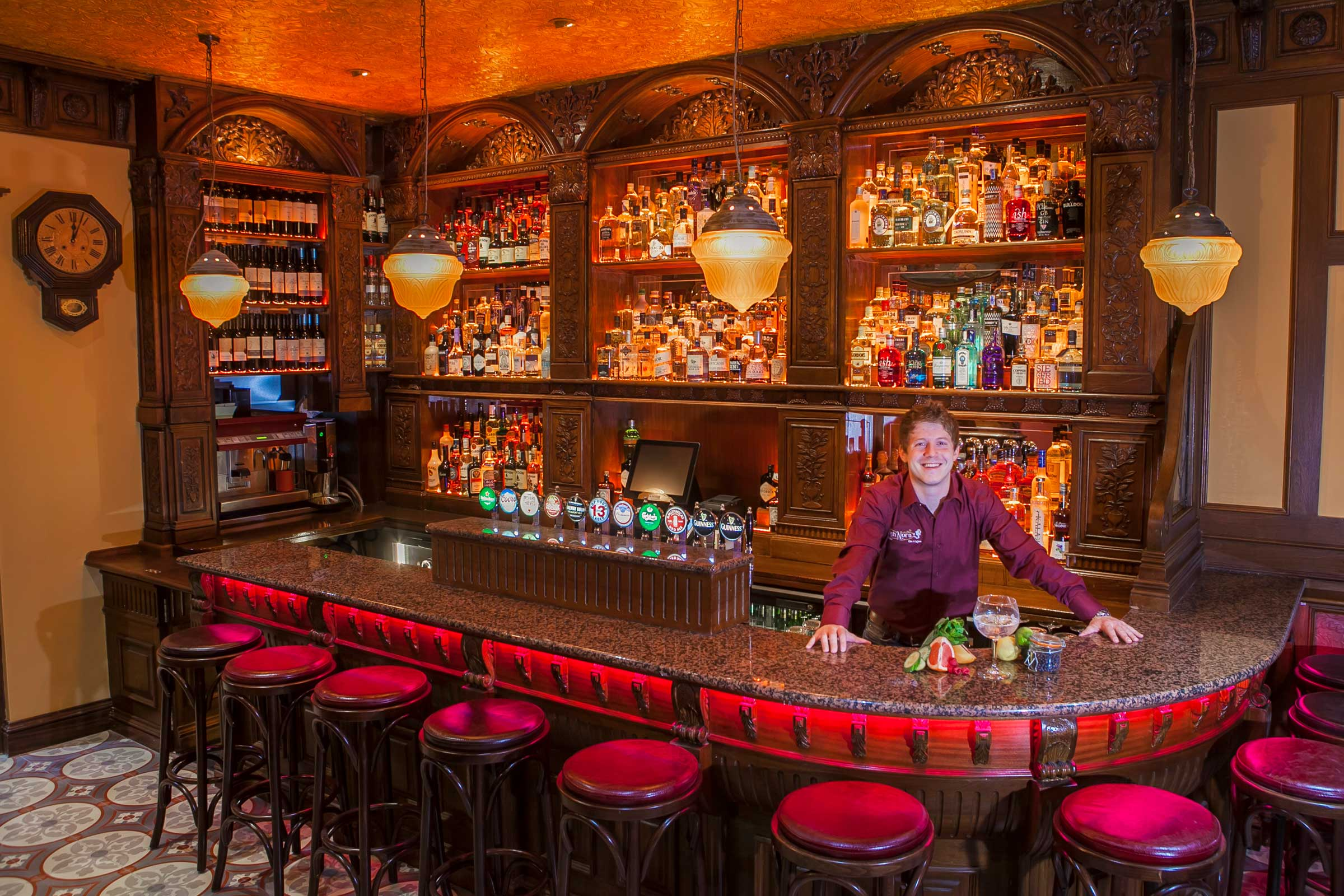 Tigh nora galways first gin bar the front door sonnys bar with over 100 different types of gin tigh nora has just opened its doors as galways first gin bar and is a haven for gin drinkers rubansaba